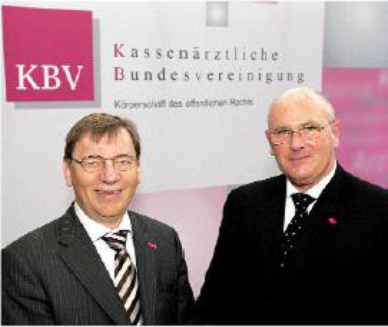 """Der Chirurg Dr.med.Andreas Köhler (r.) und Hausarzt Ulrich Weigeldt wollen als neuer KBV-Vorstand """"an einem Strang ziehen"""". Foto: KBV"""