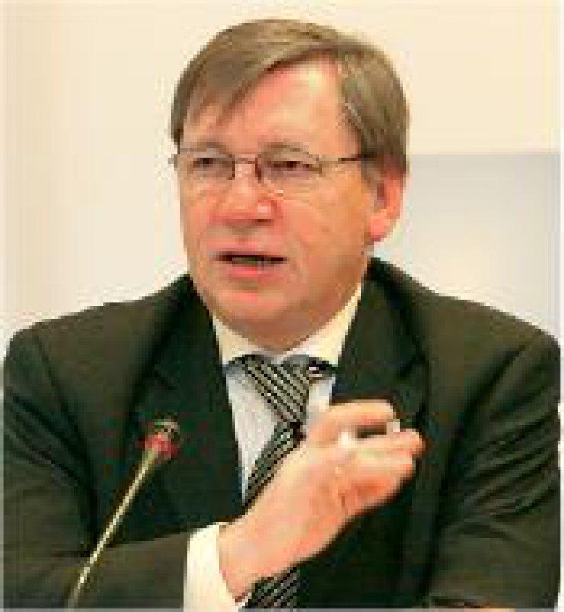KBV-Vorstand Ulrich Weigeldt: Wollen neue Vertragsgebührenordnung selbst erarbeiten. Foto: Georg J. Lopata