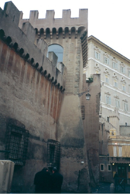Fluchtweg aus Vatikan in Engelsburg Foto: Renate V. Scheiper