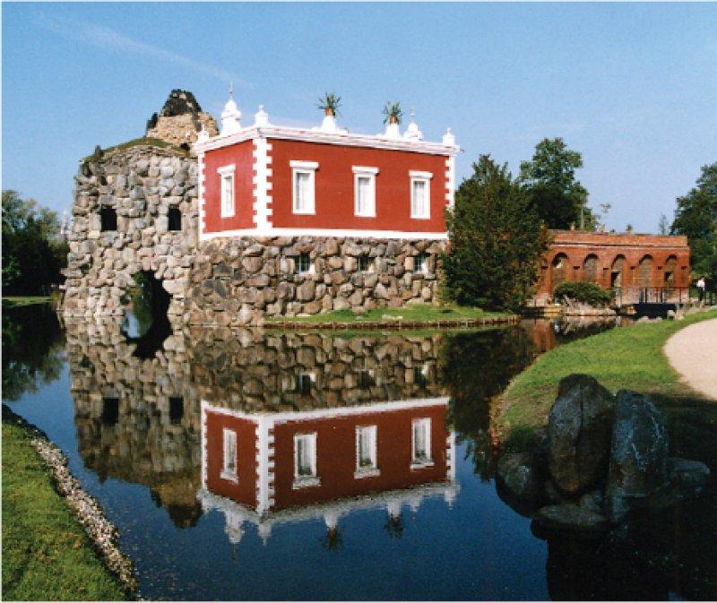 Wörlitz (Sachsen-Anhalt): die Villa Hamilton auf der wieder zugänglichen Felseninsel Stein