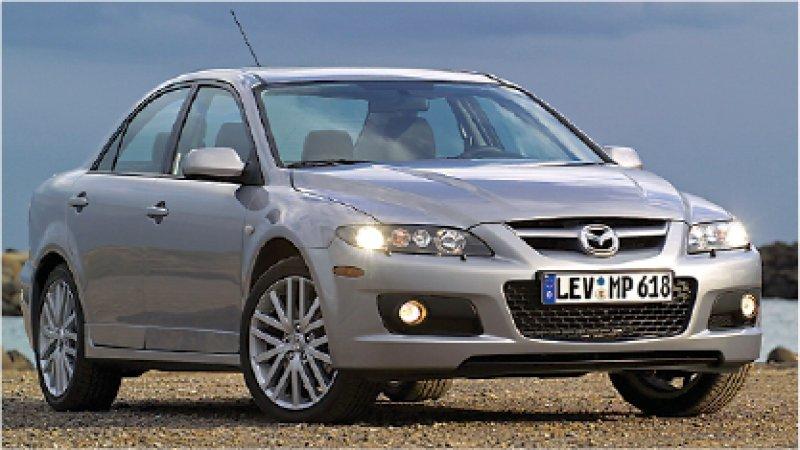 Ein größerer Lufteinlass, die Schwellerverkleidung und die angehobene Motorhaube weisen auf den MPS hin. Fotos: Mazda