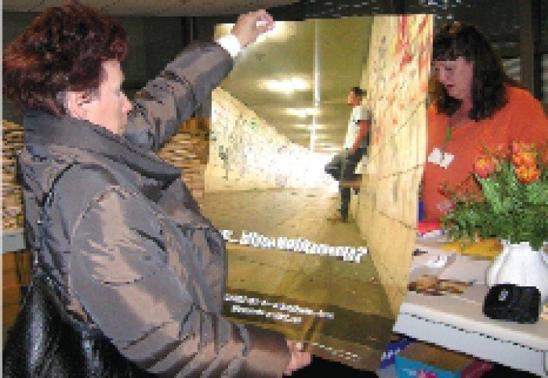Eine stille Rationierung von Gesundheitsleistungen werfen die Ärzte der Politik auf Plakaten vor. Foto: KV Hamburg