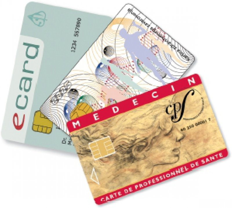 Auch optisch vielfältig: Beispiele für Chipkartenlösungen für Versicherte beziehungsweise für medizinische Fachkräfte aus Österreich, Slowenien und Frankreich.