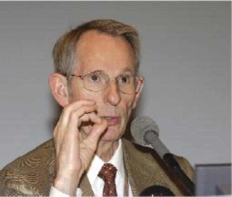 Jörg-Dietrich Hoppe: Für die deutsche Ärzteschaft ist Töten von Patienten tabu.