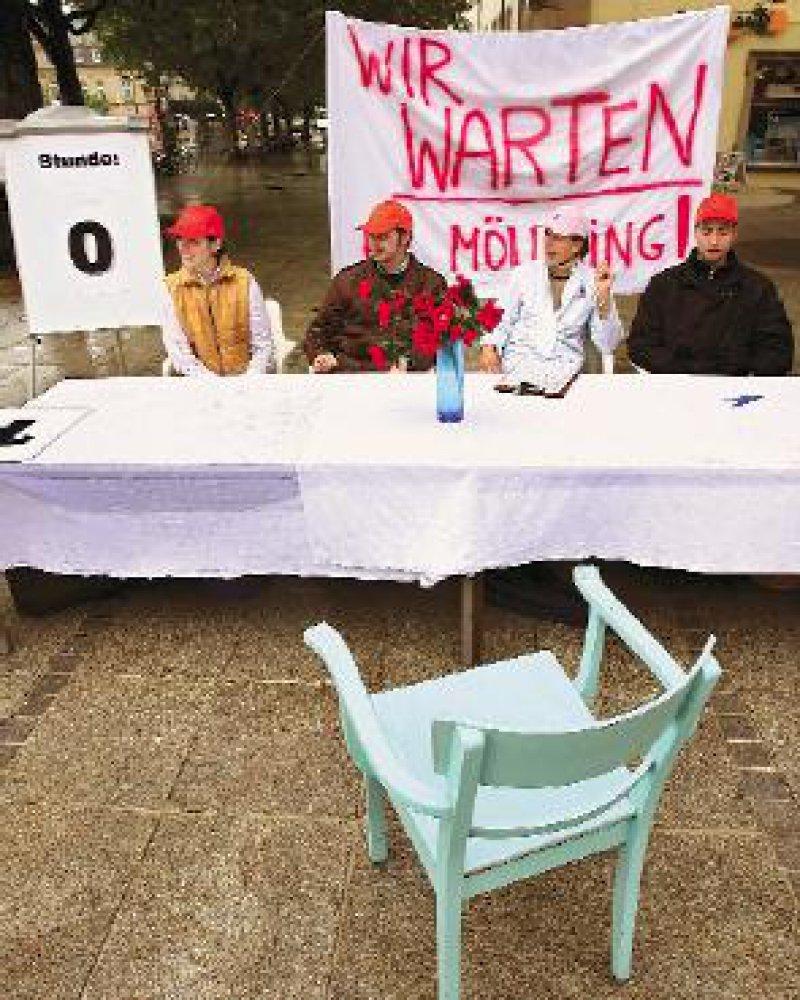 Ein Stuhl am Verhandlungstisch in Stuttgart blieb leer: Ärzte der Uniklinik Heidelberg warteten zwei Tage vergeblich auf einen Vertreter der Tarifgemeinschaft deutscher Länder. Foto: dpa
