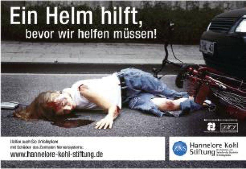 Mit Plakatkampagnen will die Hannelore-Kohl- Stiftung darauf aufmerksam machen, wie wichtig das Tragen eines Fahrradhelms gerade für Kinder ist.