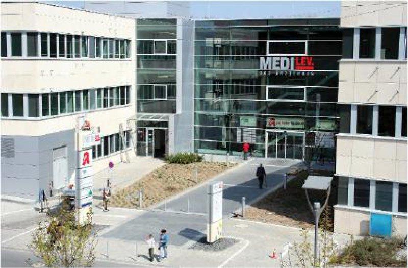 """Das Ärztehaus MEDILev neben dem Klinikum ist Teil des """"Gesundheitsparks Leverkusen"""". Foto: Klinikum Leverkusen gGmbH, Andrea Borowsky"""
