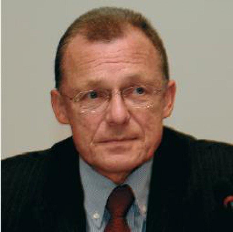 """Rainer Kötzle, Vorsitzender des Deutschen Hausärzteverbandes: """"Kostenerstattung und Systemausstieg sind keine realistischen Optionen für die Hausärzte."""""""