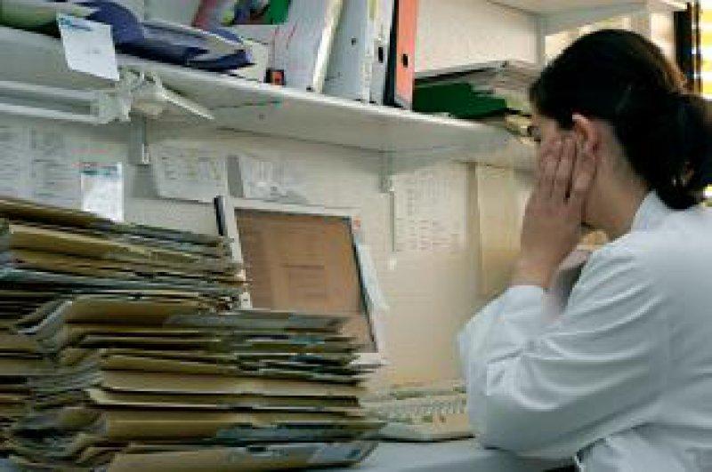 Die Kodierung der diagnosebasierten Fallpauschalen (DRGs) ist zeitaufwendig, verlangt Sachverstand und absorbiert viel Arbeitskraft von Klinikärzten. Foto: Peter Wirtz