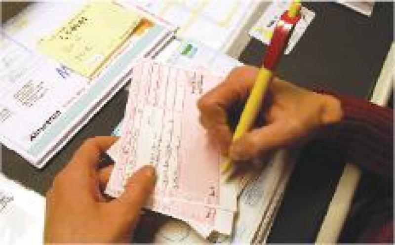 Besonders umstritten ist die Bonus-Malus- Regelung für ärztliche Verordnungen. Foto: ddp