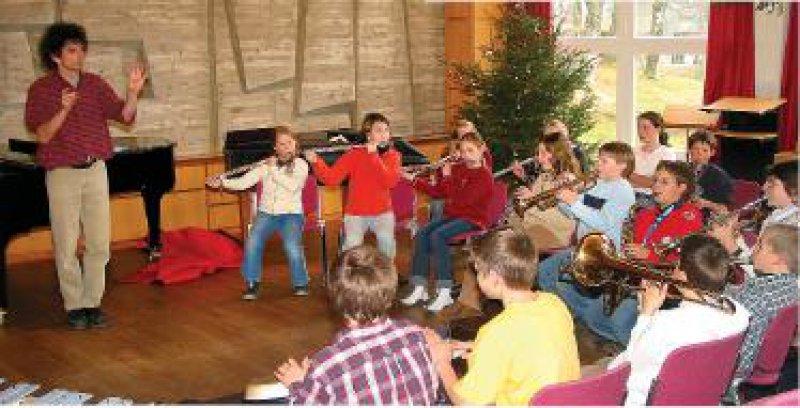 In der fünften bis siebten Klasse lernt jeder Schüler ein Blasinstrument, um im Klassenverband zu musizieren. Foto: Birklehof