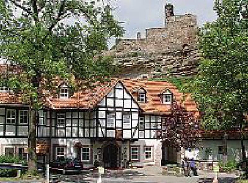 Früher Arbeiterherberge, heute Viersternekomfort: Burghotel Hardenberg. Fotos: Detlef Berg