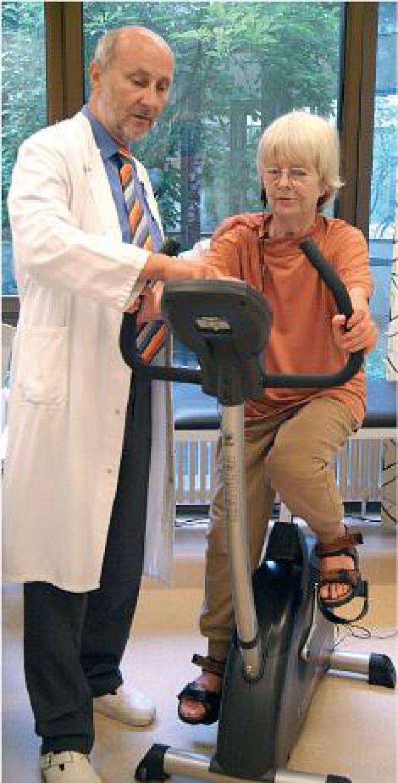 Durch eine intensive individuelle Schulung und Beratung werden die Patienten auf die ambulante Rehabilitation vorbereitet. Foto: Herzzentrum Nordrhein-Westfalen, Bad Oeynhausen