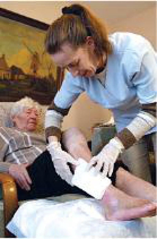 Für sinnvoll halten 92 Prozent der Pflegenden ihren Beruf. Foto: Caro