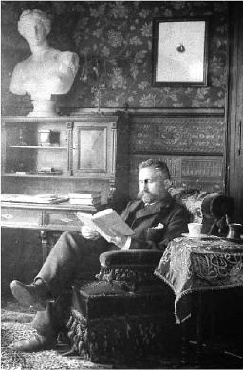 Emil Kraepelin in seinem privaten Heidelberger Arbeitszimmer, um das Jahr 1900. Fotos: Max-Planck-Institut für Psychiatrie, Historisches Archiv