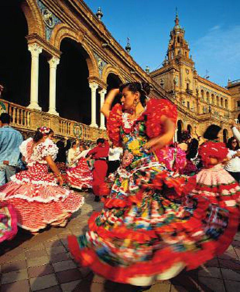 Folklore am Plaza de España in Sevilla. Foto: picture-alliance
