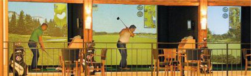 Perfekte Illusion: Die Golfer können sich unter 54 Plätzen ihren Lieblingskurs aussuchen. Foto: Angelika Lerche