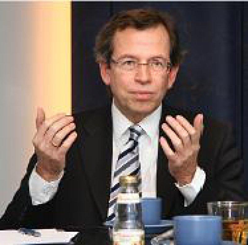 Volker Leienbach ist seit 2002 Direktor und geschäftsführendes Vorstandsmitglied des PKV-Verbandes.