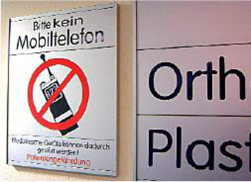 Als nicht mehr zeitgemäß stuft das Klinikum Region Hannover das Handyverbot ein. Foto: BilderBox