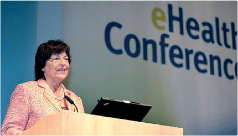 Will die strukturierte Zusammenarbeit der EU-Mitgliedsstaaten bei der grenzüberschreitenden Gesundheitsversorgung weiter ausbauen: Bundesgesundheitsministerin Ulla Schmidt. Fotos: GVG e.V. Germany