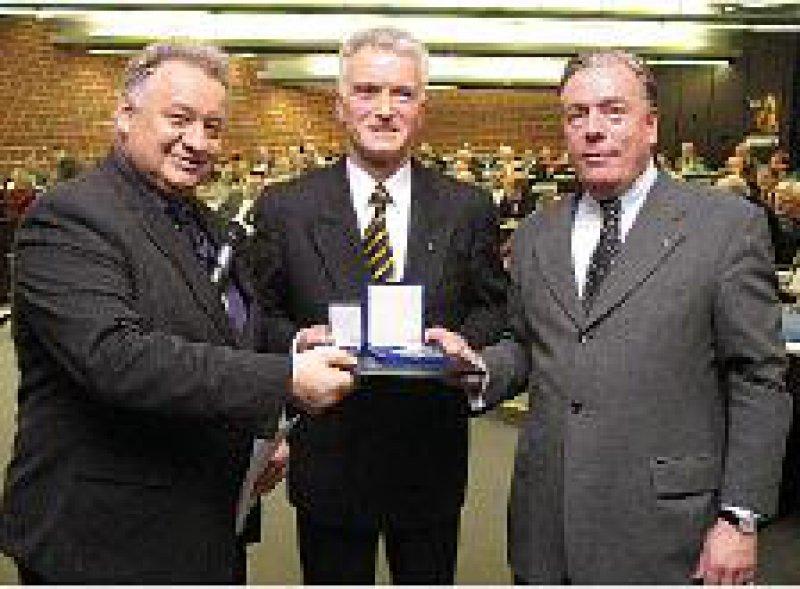 Theodor Windhorst, Ernst-Wilhelm Schwarze und Klaus Reinhardt. Foto: ÄKWL