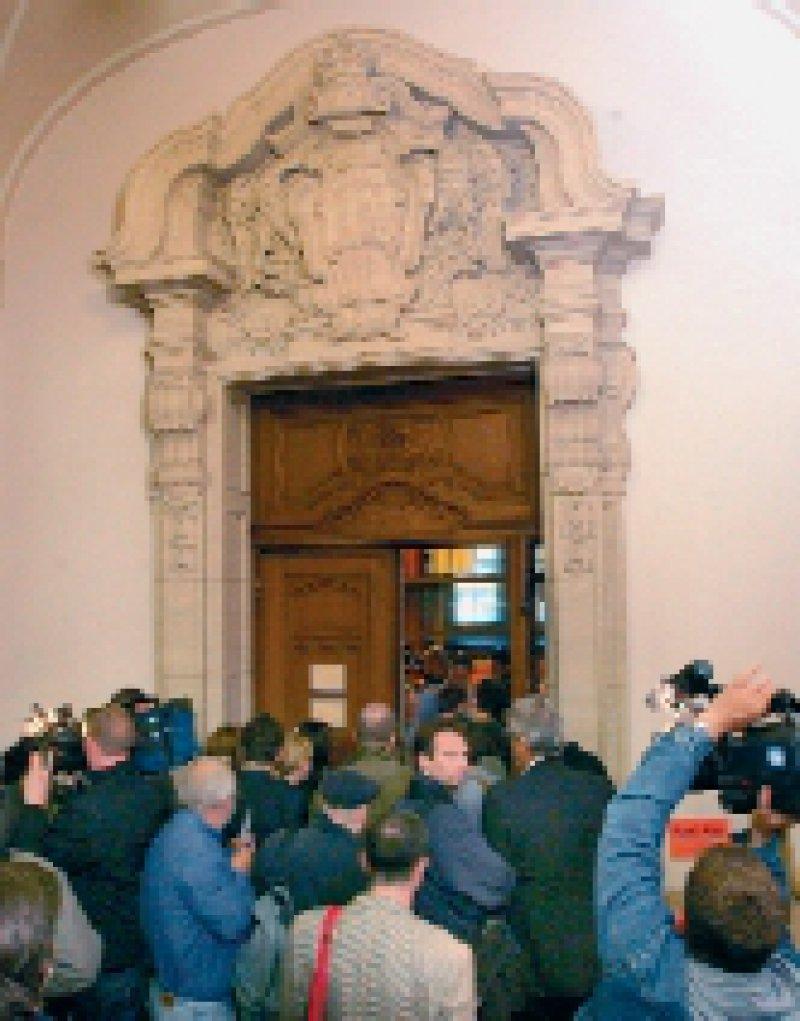 Großes Medieninteresse weckte der Prozess gegen die Krankenschwester Irene B., der am 18. April im Kriminalgericht Moabit in Berlin begann. Foto: dpa