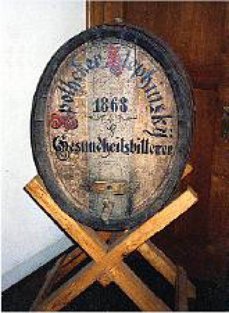 Der beliebte Magenbitter ist noch heute im Museum erhältlich. Fotos: Ernst Wanner