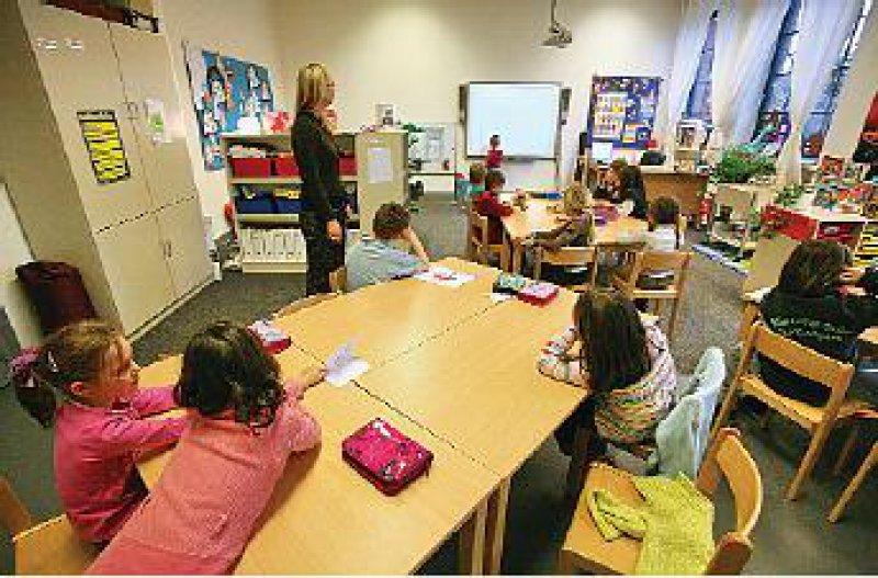 """Smartboards – interaktive """"weiße Tafeln"""" stehen in jedem Klassenraum zur Verfügung. Foto: Meierotto"""