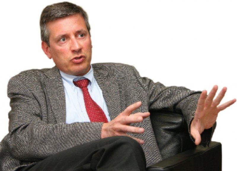 Edgar Schömig (47) war von 2004 bis 2006 Dekan der Medizinischen Fakultät und ist seit 2006 Ärztlicher Direktor und Vorstandsvorsitzender des Klinikums der Universität zu Köln.