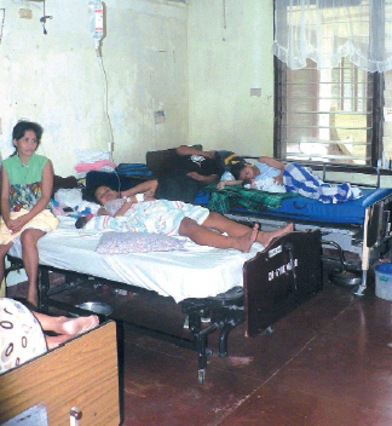 Bezirkskrankenhaus auf Südleyte: Warum hier als Arzt arbeiten, wenn im Ausland als Krankenschwester mehr Geld zu verdienen ist? Foto: Martina Merten