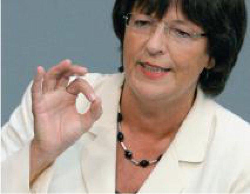 Foto: dpa Ulla Schmidt: Die Entschuldung sorgt für einen fairen Start aller Kassen in den Gesundheitsfonds im Jahr 2009.