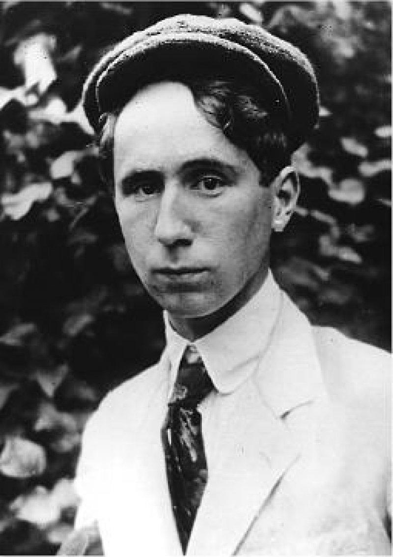 Der junge Brecht begann 1918 in München das Medizinstudium. Fotos: picture-alliance/akg-images