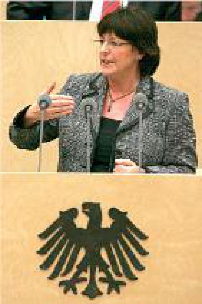 Viele neue Chancen sieht Ulla Schmidt im Reformgesetz. Foto: dpa