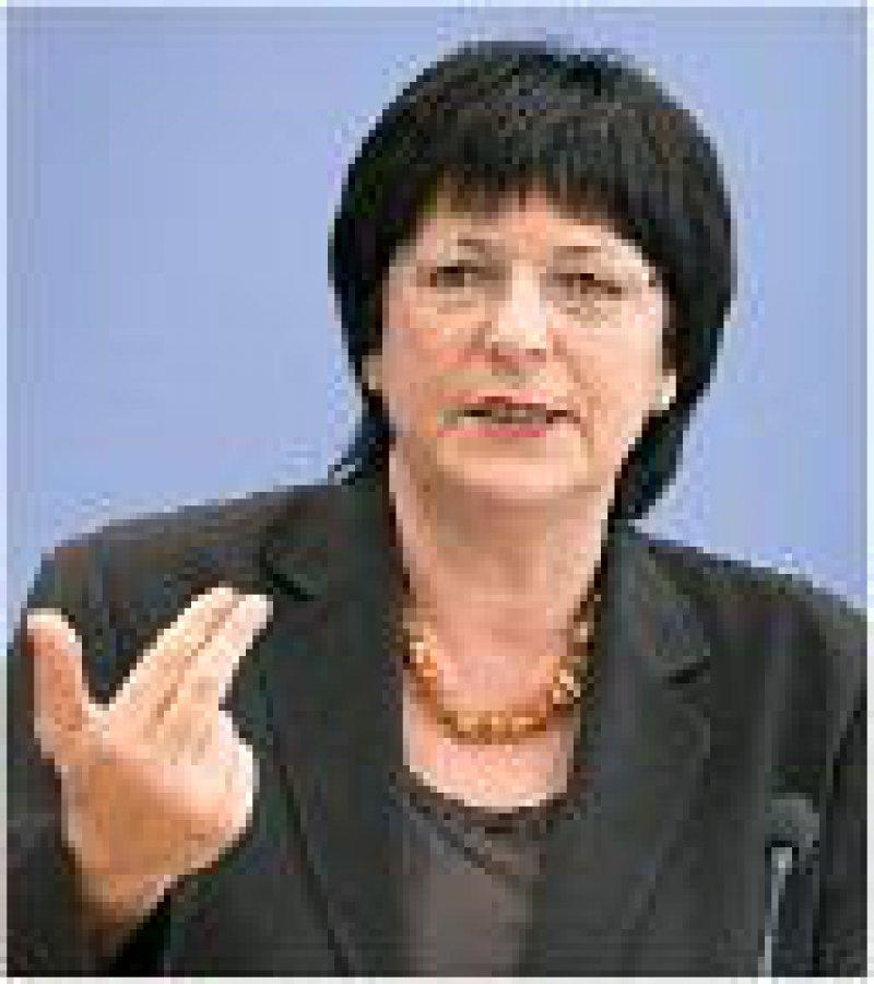 Ulla Schmidt betonte den Nutzen grenzüberschreitender Kooperationen. Foto: Photothek.net