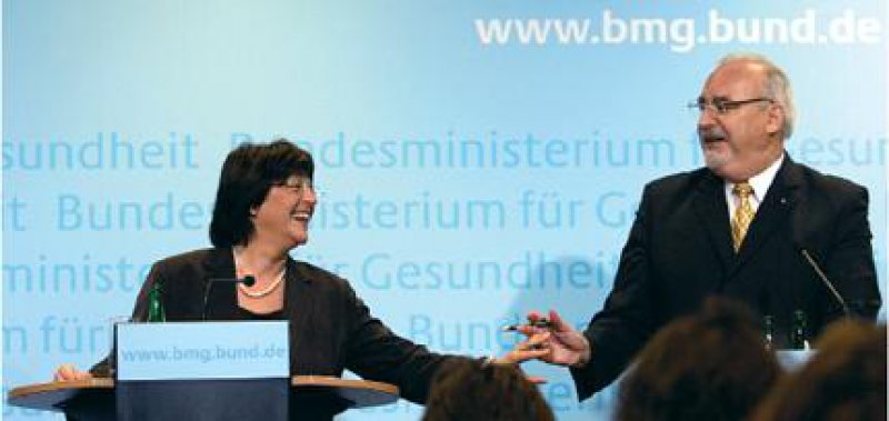 Am Rand des Lächelns – Ulla Schmidt und Wolfgang Zöller verkündeten mehr als einmal Änderungen an der geplanten Gesundheitsreform. Foto: ddp