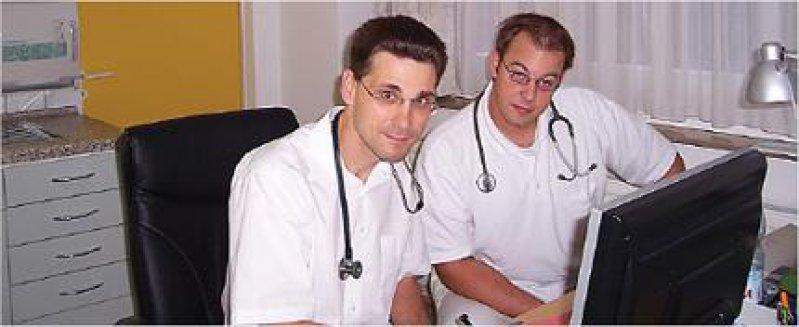 Pioniere des PJ Allgemeinmedizin: Ausbilder Thomas Joist und Student Sebastian Klein (von links) ziehen eine positive Bilanz. Fotos: privat