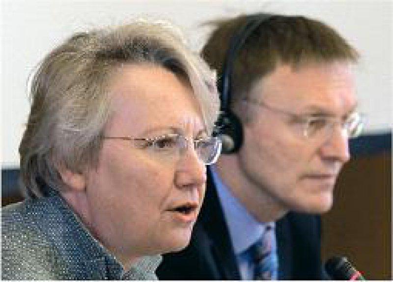 Für eine neue Wissenschaftskultur: Bundesforschungsministerin Annette Schavan und EU-Forschungskommissar Janez Potocnik. Foto: dpa