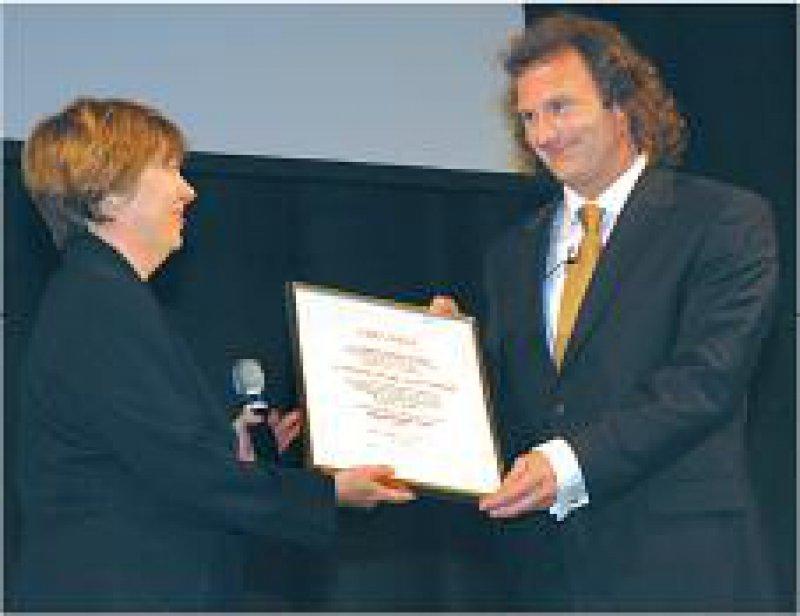 Margarete Basler, Vorsitzende der Stiftung, und Marcel A. Verhoff. Foto: privat