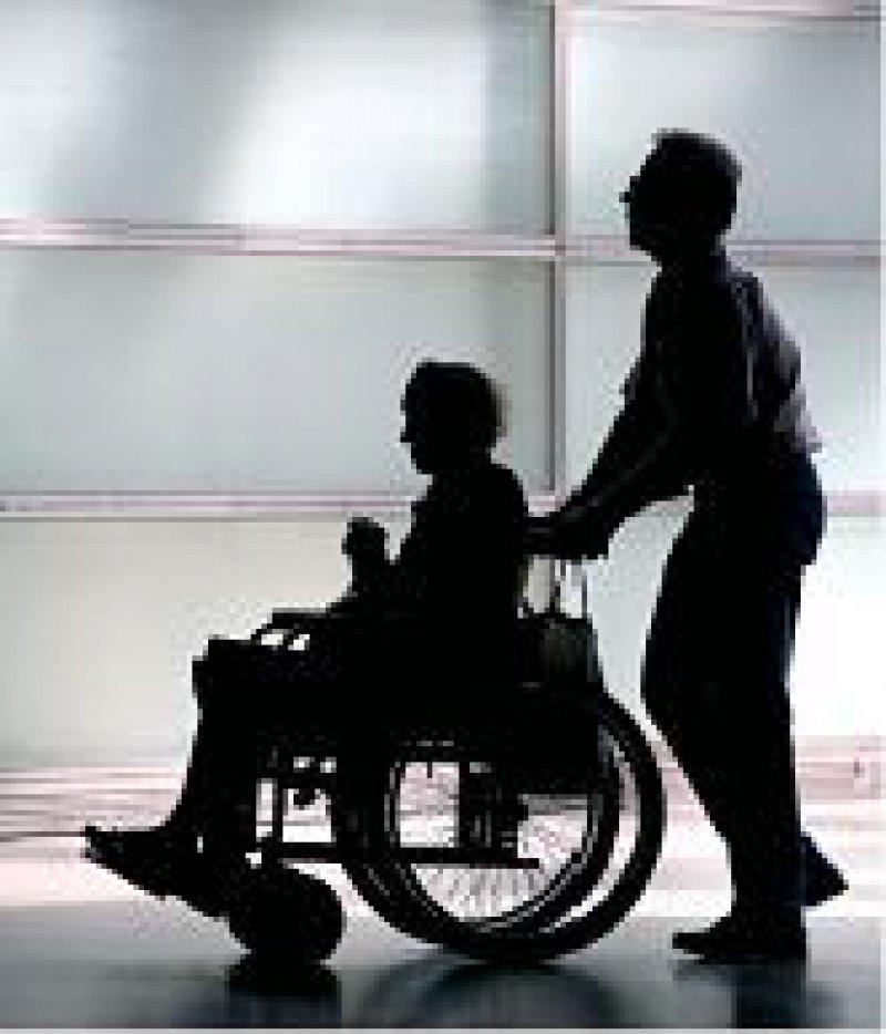 Entlassung ins Ungewisse: Die Organisation der Weiterbehandlung ist bei Pflegebedürftigen kein Grund für einen stationären- Aufenthalt. Foto: Caro