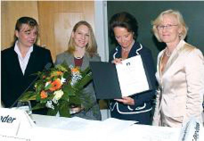 Justyna Swol, Beate Klimm, Marianne Schrader, Astrid Bühren (von links). Foto: Noack, Uniklinik Regensburg