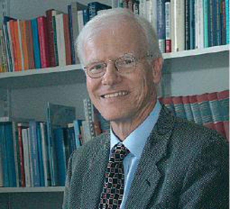 In ethischen Fragen geht es nach Auffassung von Ludwig Siep nicht um mathematische Genauigkeit, sondern um Lebenserfahrung und Situationsklugheit. Foto: privat