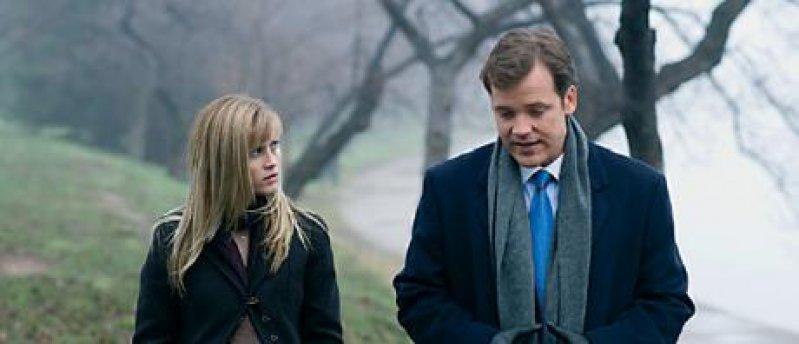 Senator Hawkins Assistent (Peter Sarsgaard) im Gespräch mit Isabella