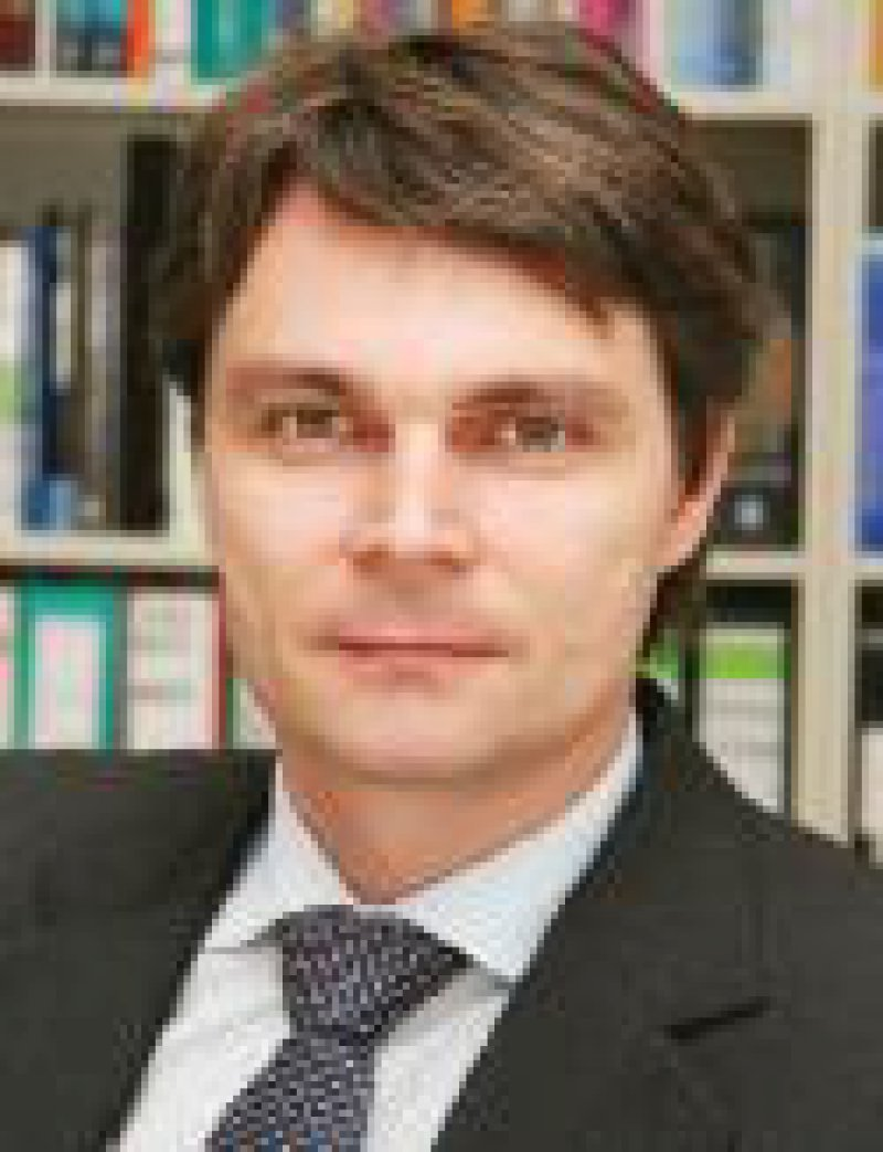 Priv.-Doz. Dr. med. Christopher Baethge Leiter der Medizinisch-Wissenschaftlichen Redaktion
