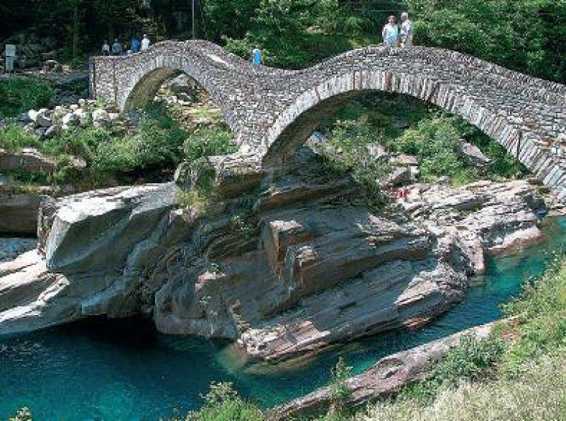 Ponte dei Salti im Verzascatal Foto: Mondial Tours