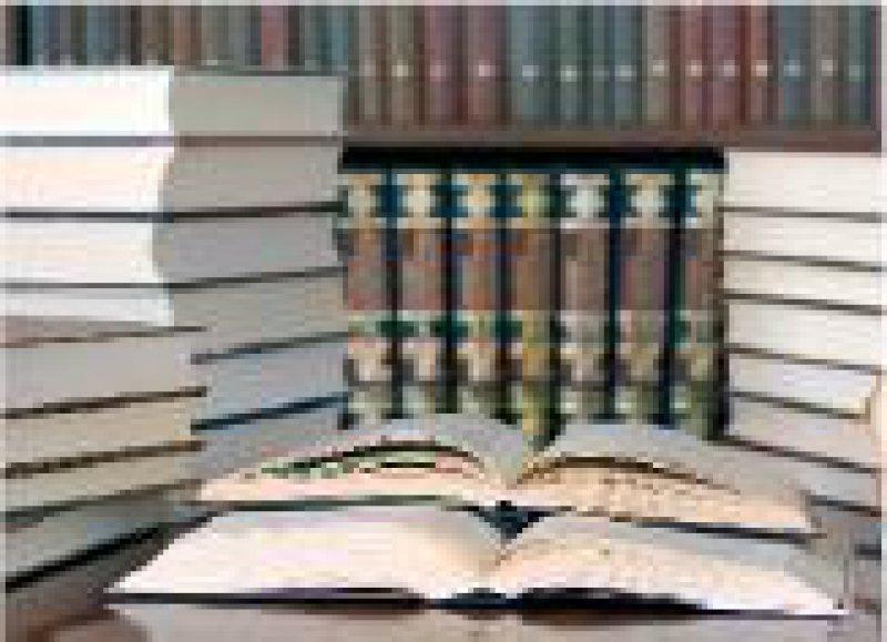 Literaturbeschaffung: Die Datenbank S.M.I.L.E unterstützt auch eine personalisierte Form der Recherche. Foto: Fotolia/Barmaliejus