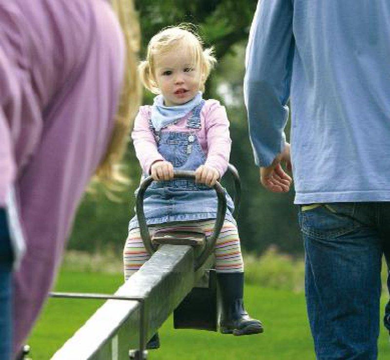 Das Kindeswohl nicht zu gefährden und dennoch die Klärung der Abstammung zu erleichtern, ist Ziel der neuen rechtlichen Regelungen. Foto: Photothek