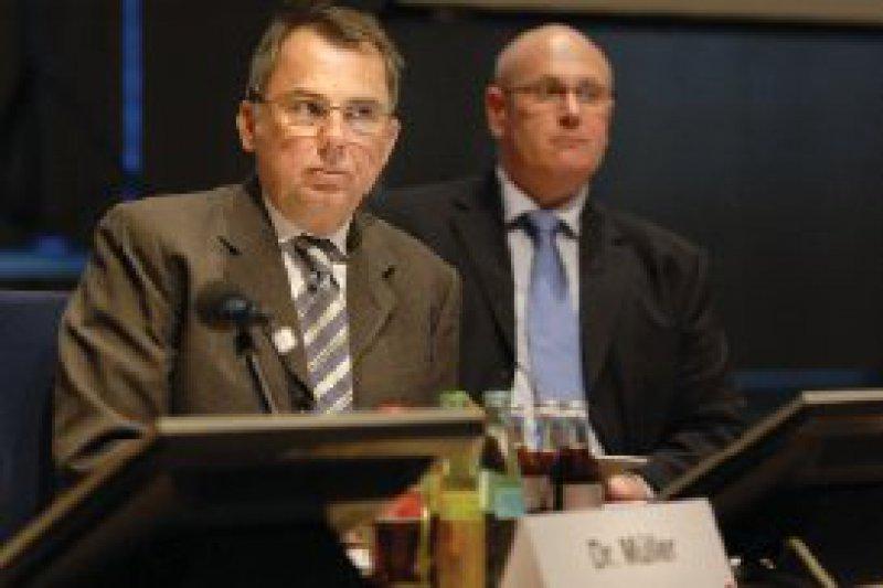 Ernste Worte zur ärztlichen Verantwortung bei Arzneimittelverordnungen fandKBV-Vorstandsmitglied Carl-Heinz Müller.
