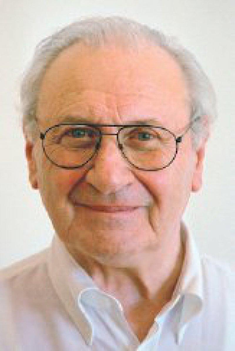 Dr. med. Siegmund Kalinski hat sich besonders um die Förderung der Allgemeinmedizin verdient gemacht. Als engagierter Standespolitiker und kritischer Journalist nimmt er kein Blatt vor den Mund. Foto: Michael Popovi´c