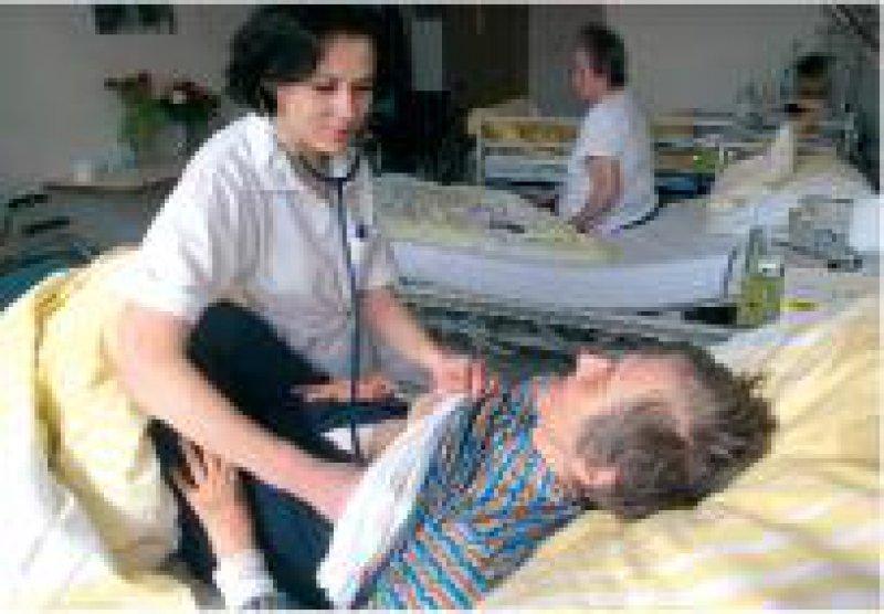 Viele Ärzte aus Osteuropa wandern Richtung Westen ab. Foto: ddp