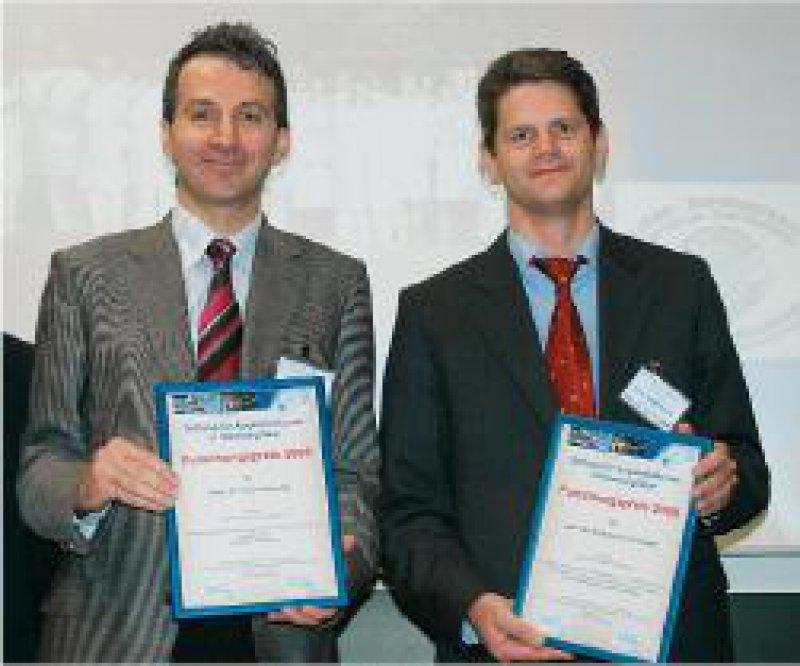 Zisis Gatzioufas und Andreas C. Schröder (von links) Foto: privat